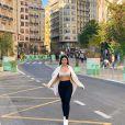 Simaria comprou apartamento em Valência e mostrou decoração em vídeo