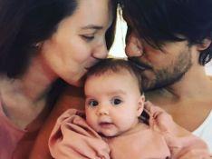 Nathalia Dill e Pedro Curvello enchem filha de beijos nos 2 meses de Eva. Foto!