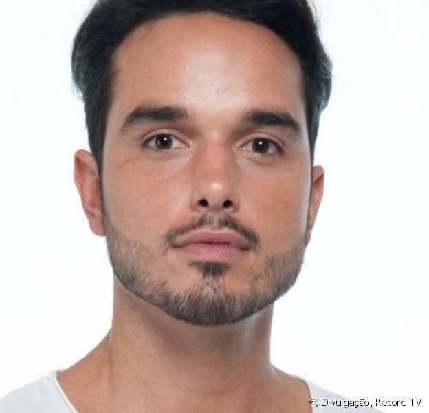 Léo Rosa ganhou homenagem de amigos em coroa de flores: 'Importante é tá gato'