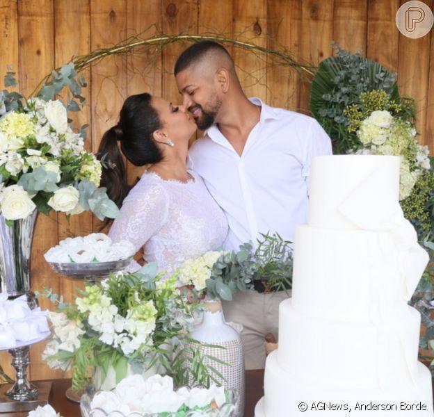 Casados! Viviane Araújo troca alianças e formaliza união com Guilherme Militão. Fotos