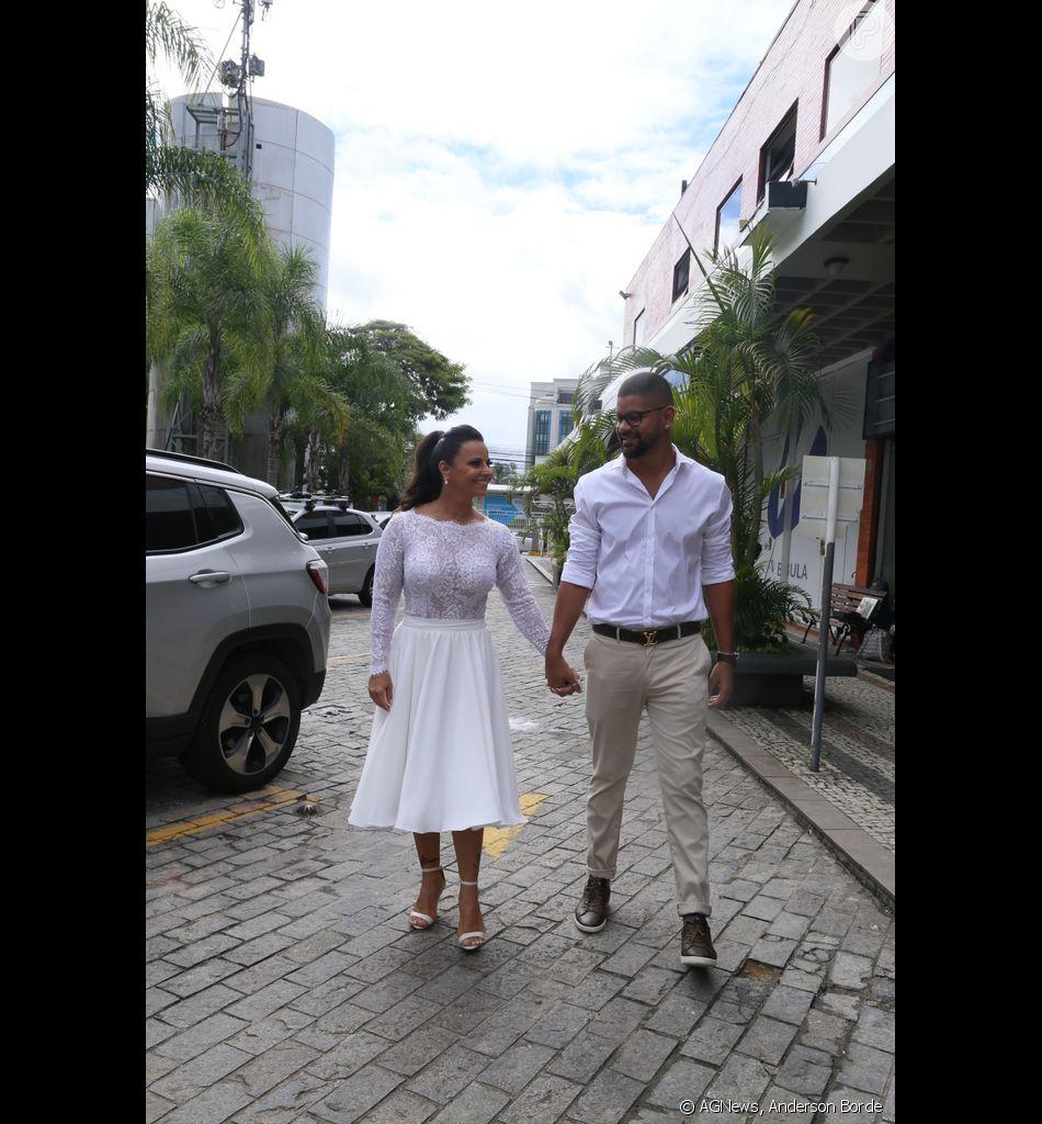 Viviane Araújo fez cerimônia intimista após casamento no civil com Guilherme Militão