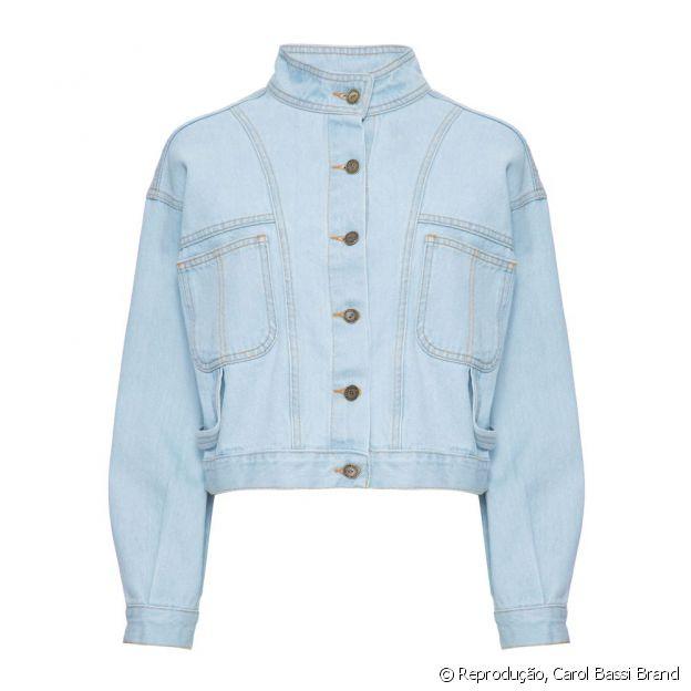 Look de Juliette em aeroporto tem jaqueta jeans de R$ 1 mil