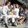 Matthew McConaughey participa de cerimônia ao lado da família