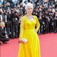 Helen Mirren em look amarelo no Festival de Cannes
