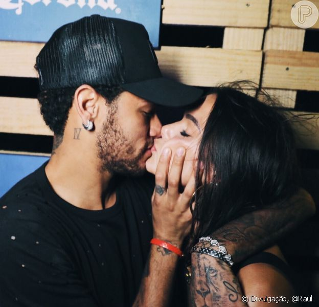 Fãs apontam coincidências em stories de Bruna Marquezine e Neymar