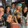Sasha Meneghel reuniu mãe, Xuxa, o marido, João Figueiredo, Junno Andrade, namorado de suamãe, e amigas em festa junina
