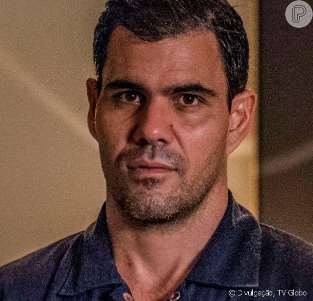 Juliano Cazarré afirmou que irá se imunizar contra a Covid-19 após rumor que estaria rejeitando o imunizante