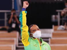 Rebeca Andrade ganha prata, faz história na Olimpíada e famosos vibram: 'Orgulho!'