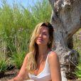 Giovanna Ewbank aposta em tecidos mais frescos como malha e linho para roupas de verão