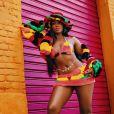 Iza usou, em seu clipe 'Gueto', roupas chamativas e cheias de personalidade