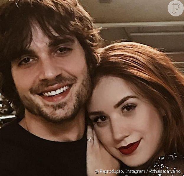 Fiuk e Thaísa Carvalho assumiram namoro neste domingo (19), em vídeo romântico postado no Instagram