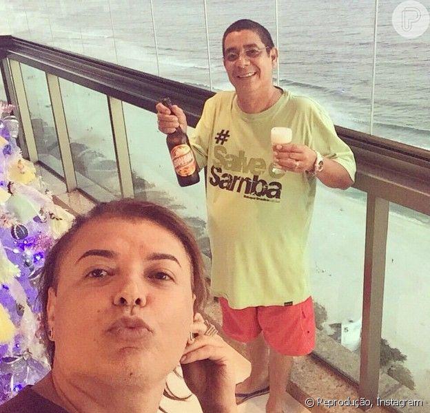 Zeca Pagodinho já está liberado para beber pelos médicos: 'A junta médica liberou a Brahma gelada! Um brinde!', escreveu o cantor em seu Instagram durante uma comemoração com o amigo David Brazil