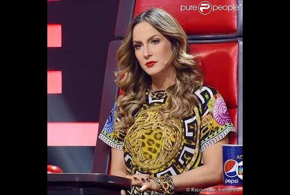 8010a6a23 Após decotes profundos, Claudia Leitte usa look comportado no 'The Voice  Brasil',