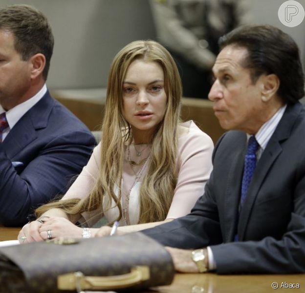 Lindsay Lohan vai ficar 90 dias em uma clínica de reabilitação, em 18 de março de 2013