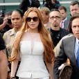 Lindsay Lohan chega 48 minutos atrasada em seu julgamento