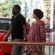 Taís Araújo e Lázaro Ramos passeiam por shopping do Rio, em 11 de dezembro de 2014