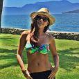 Mariana Rios é mais uma que aposta no biquíni tomara que caia