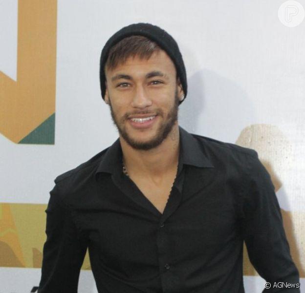 Neymar confessa a amigos que não pensa em assumir um namoro tão cedo, afirma o jornal 'Extra'
