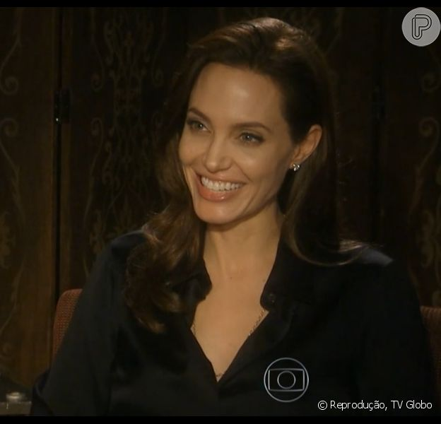 Angelina Jolie lança o filme 'Invencível' e revela ter tido romance a distância com Brad Pitt: 'Ficamos trocando cartas'