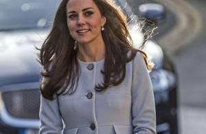 Kate Middleton exibe barriga de 6 meses de gravidez: 'Consigo sentir chutando'