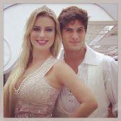 Fernanda parabeniza André e se declara: 'Você faz a minha vida completa'