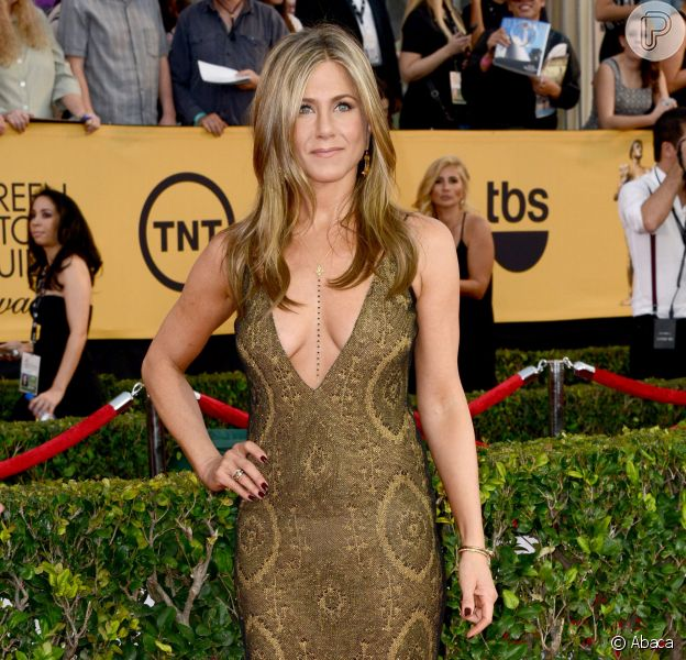 Jennifer Aniston veste John Galliano no Screen Actors Guild Awards 2015