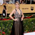 Sarah Hyland veste Vera Wang no Screen Actors Guild Awards 2015