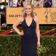 Amy Poehler veste Jenny Packham no Screen Actors Guild Awards 2015
