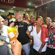 Cantora norte-americana Queen Latifah participa de ensaio de rua do Salgueiro, no Rio de Janeiro