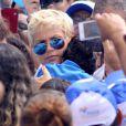 Xuxa está chateada com a saúde da mãe e pede oração aos seus fãs