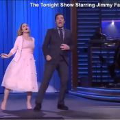 Drew Barrymore e Jimmy Fallon reproduzem cena do filme 'Dirty Dancing'