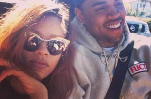 Rihanna publica foto com Chris Brown e afasta rumores de término do namoro