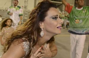 Viviane Araújo chora durante ensaio técnico da Mancha Verde, em SP: 'Amo muito'