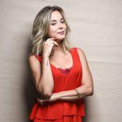 Juliana Lohmann fica loura para seduzir bonitão virgem na série 'As Canalhas'
