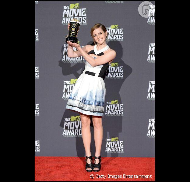 Emma Watson é homenageada no MTV Movie Awards 2013, em 14 de abril, véspera de seu 23º aniversário