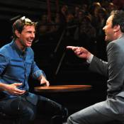 Tom Cruise leva ovada na cabeça e cai na risada em programa de TV nos EUA