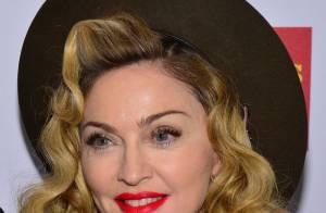 Madonna expõe figurinos marcantes na Macy's para promover linha de roupas
