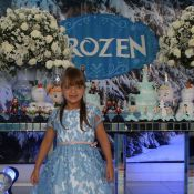 Rafaella Justus se diverte na festa de aniversário das filhas gêmeas de Luciano