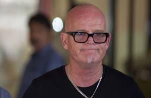 Pai de Katy Perry pede orações para filha: 'Fãs estão adorando a coisa errada'