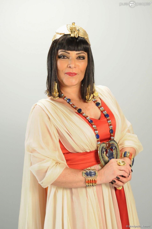 """Angelina Muniz Nova os dez mandamentos"""" estreia com produção impecável, mas o"""