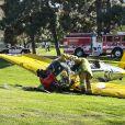 Harrison Ford estava no controle de um avião da Segunda Guerra Mundial e, ao detectar falhas no motor, foi obrigado a fazer um pouso de emergência em um campo de golfe, em Venice, na Califórnia