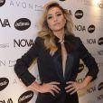 A 'japa' apostou em um blazer superdecotado em evento da revista