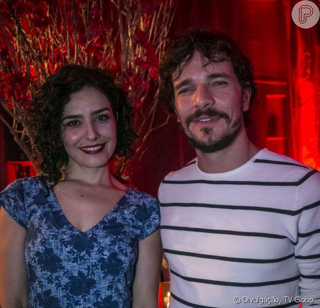Amantes em 'Amorteamo', Daniel de Oliveira e Letícia Sabatella vão cantar em cena