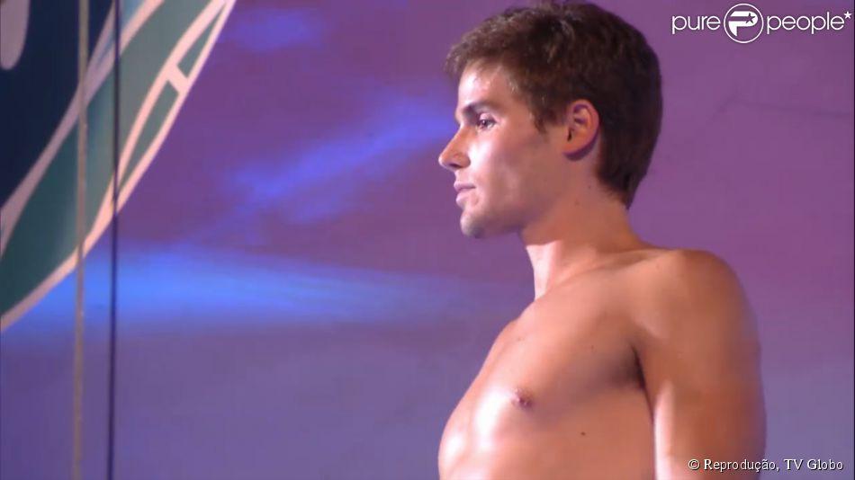 Jonatas Faro é eliminado do 'Saltibum' após conquistar 47,4 pontos, no 25 de abril de 2015
