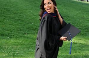 Eva Longoria comemora colação de grau de Mestre: 'Hoje é um grande dia'