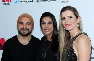 Amanda, do 'BBB15', vai a show de Zezé Di Camargo e Luciano e tieta cantor