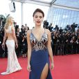 Paloma Bernardi foi à première do filme 'O Pequeno Príncipe', no Festival de Cannes, com um vestido decotado e com fenda lateral
