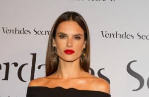 Alessandra Ambrosio aposta em joias com diamantes no valor de R$300 mil em festa
