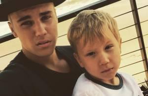 Justin Bieber chama atenção por semelhança física com irmão e diz: 'Te amo'