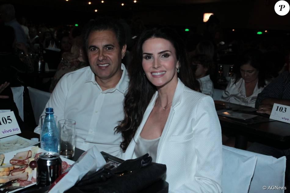Lisandra Souto e o empresário Gustavo Fernandes botaram novamente ponto final no namoro, após terem sido clicados juntos em abril deste ano